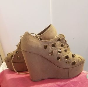 NWOT Nude Suede Wedge Shoes Sandals